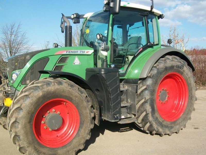 Traktor of the type Fendt 718, Gebrauchtmaschine in MANSFIELD (Picture 1)