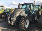Traktor of the type Valtra T174EA in Grantham